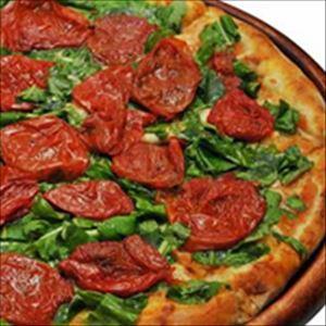 Pizza Tomate Seco com Manjericão