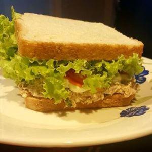 Sanduíche de Salmão com Cream Cheese