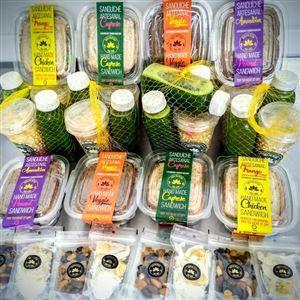 KIT Semanal 5 Saladas + 5 sucos detox + 5 mix de snacks