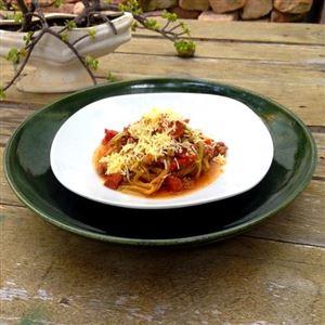 Prato LowCarb #03 - Macarrão De Chuchu Com Bacon e Molho Bolonhesa